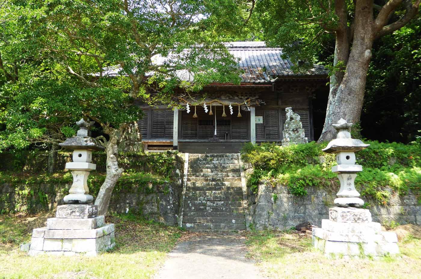 愛宕神社の拝殿全景