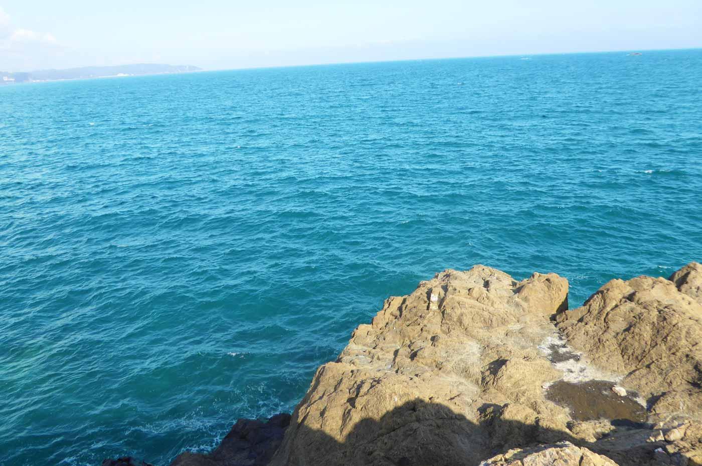 灯台島右側の釣り場