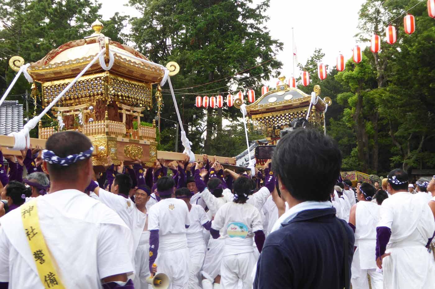 子安神社と手力雄神社の神輿のの画像