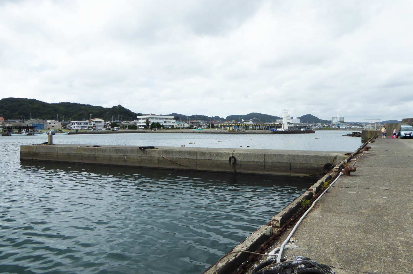 平舘漁港内小突堤のポイント2