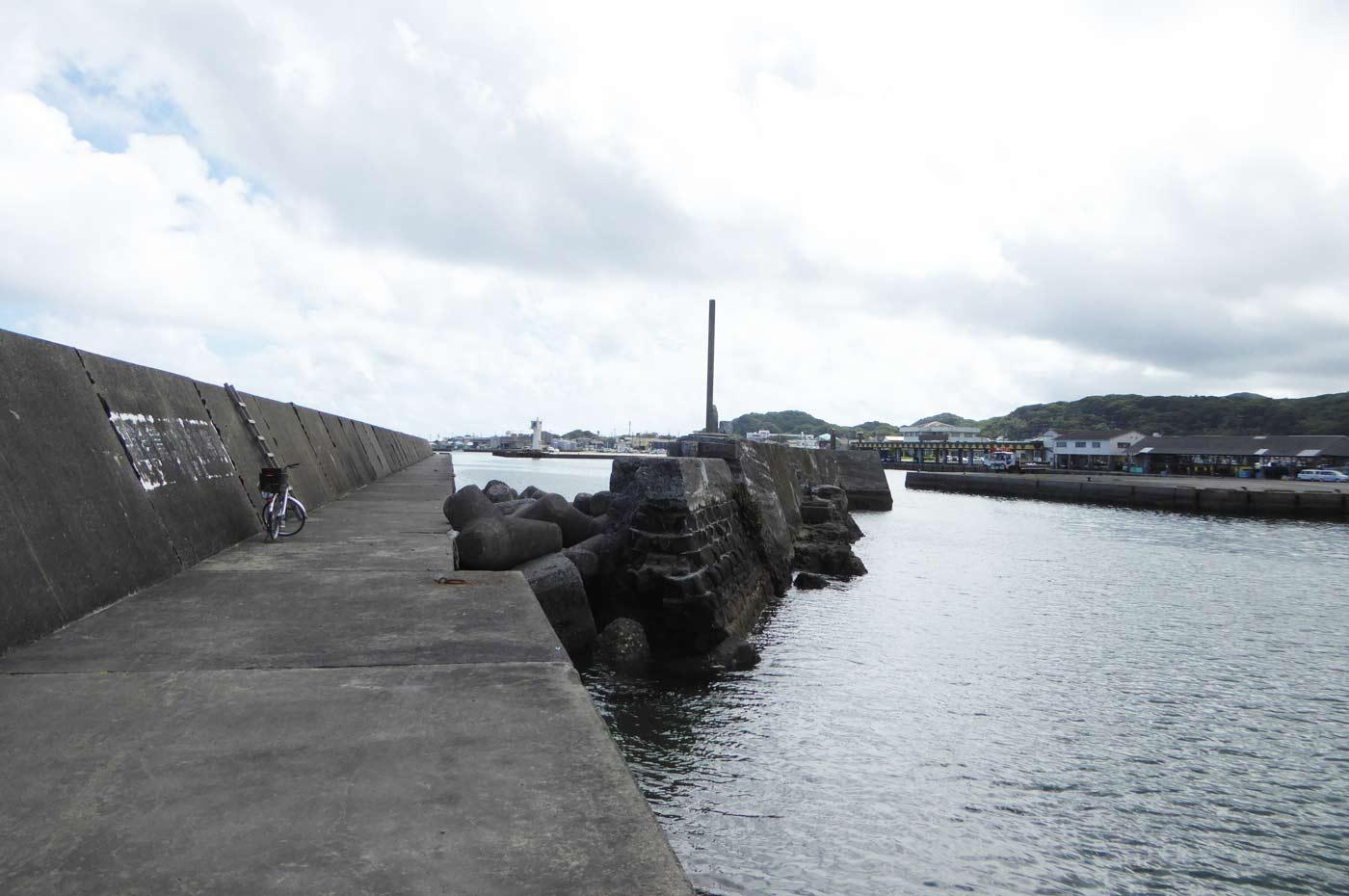 千倉港の突堤