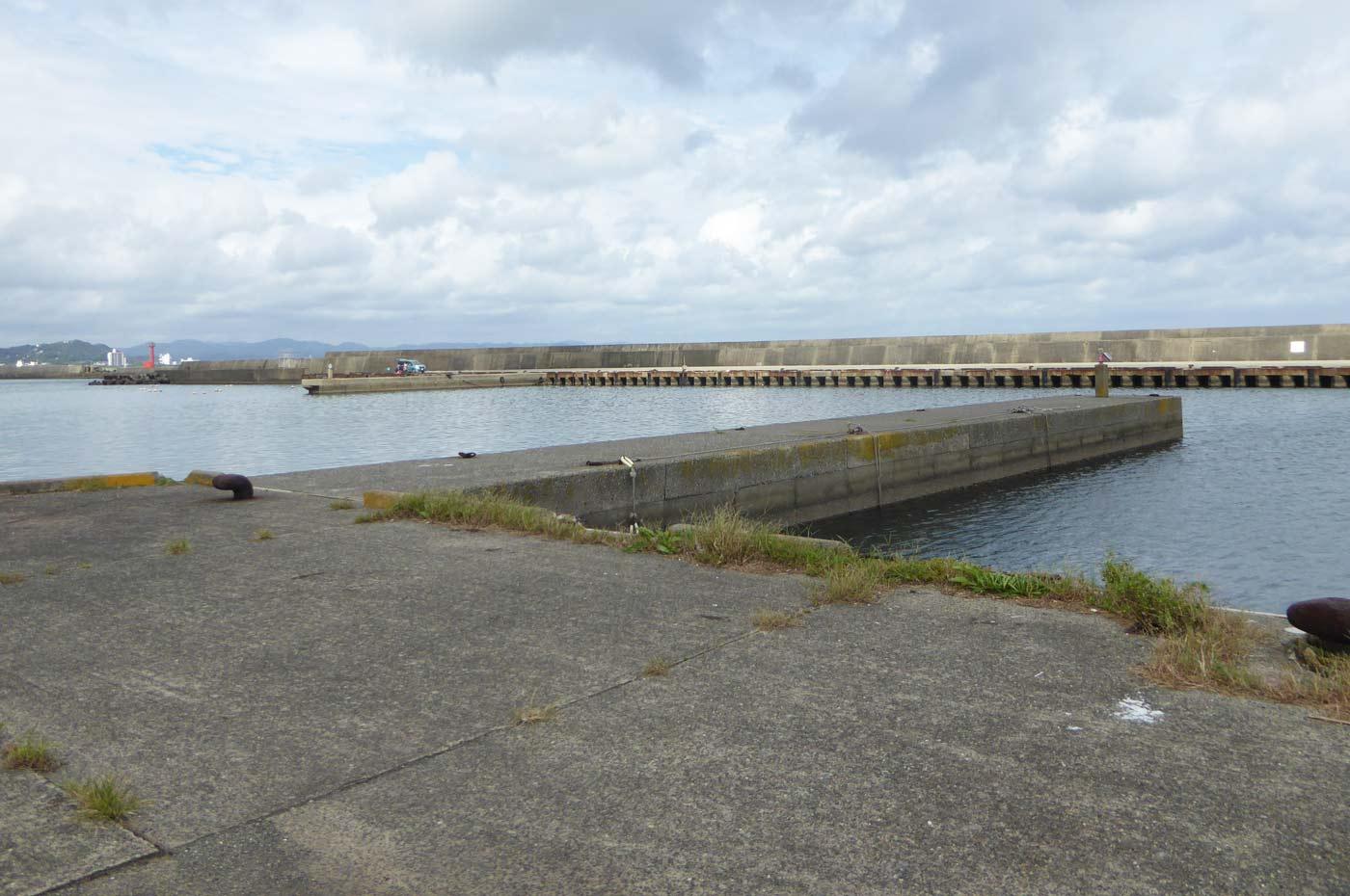 平舘漁港内小突堤のポイント