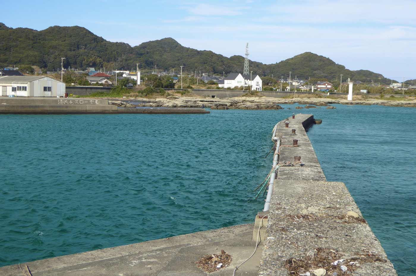 千田港外側の堤防の画像
