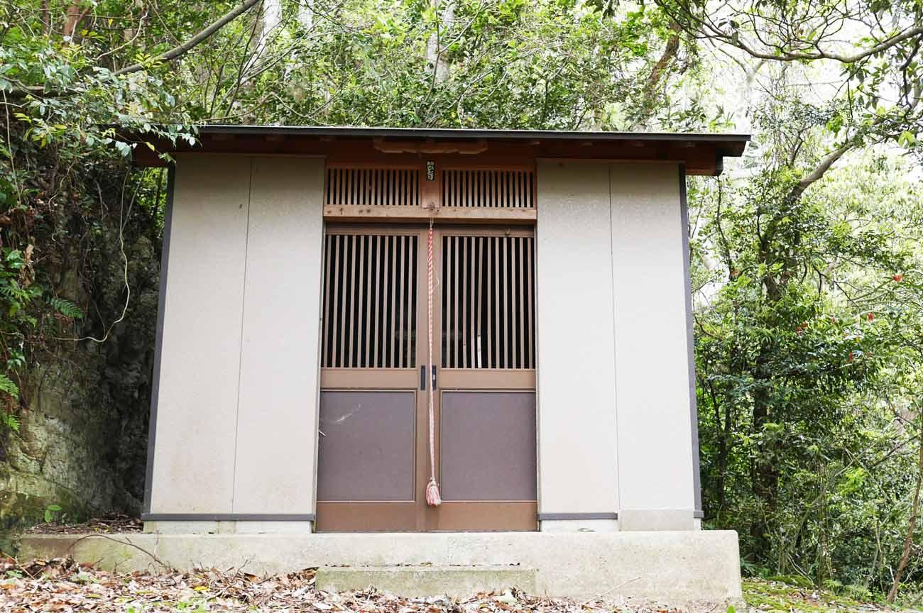 天狗神社拝殿の画像