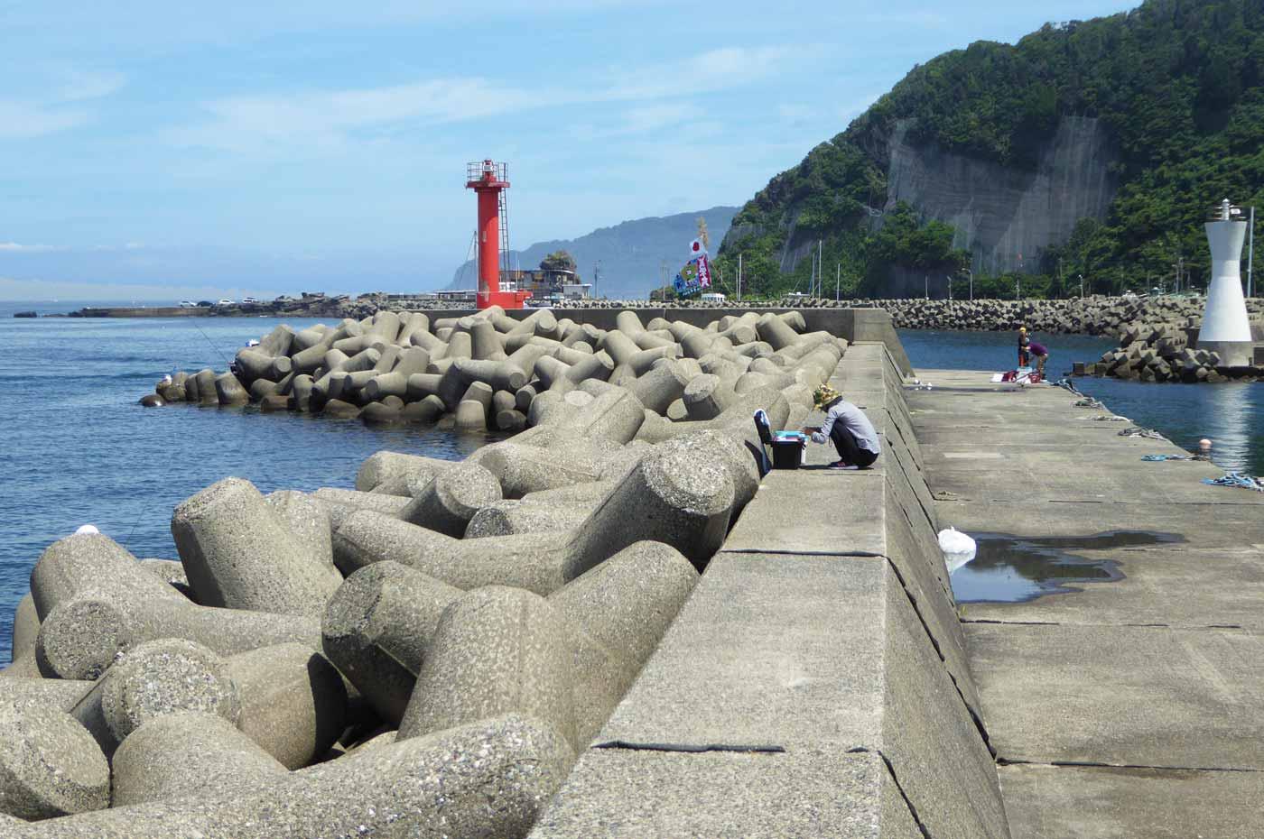 赤灯台堤防外側のテトラのポイント
