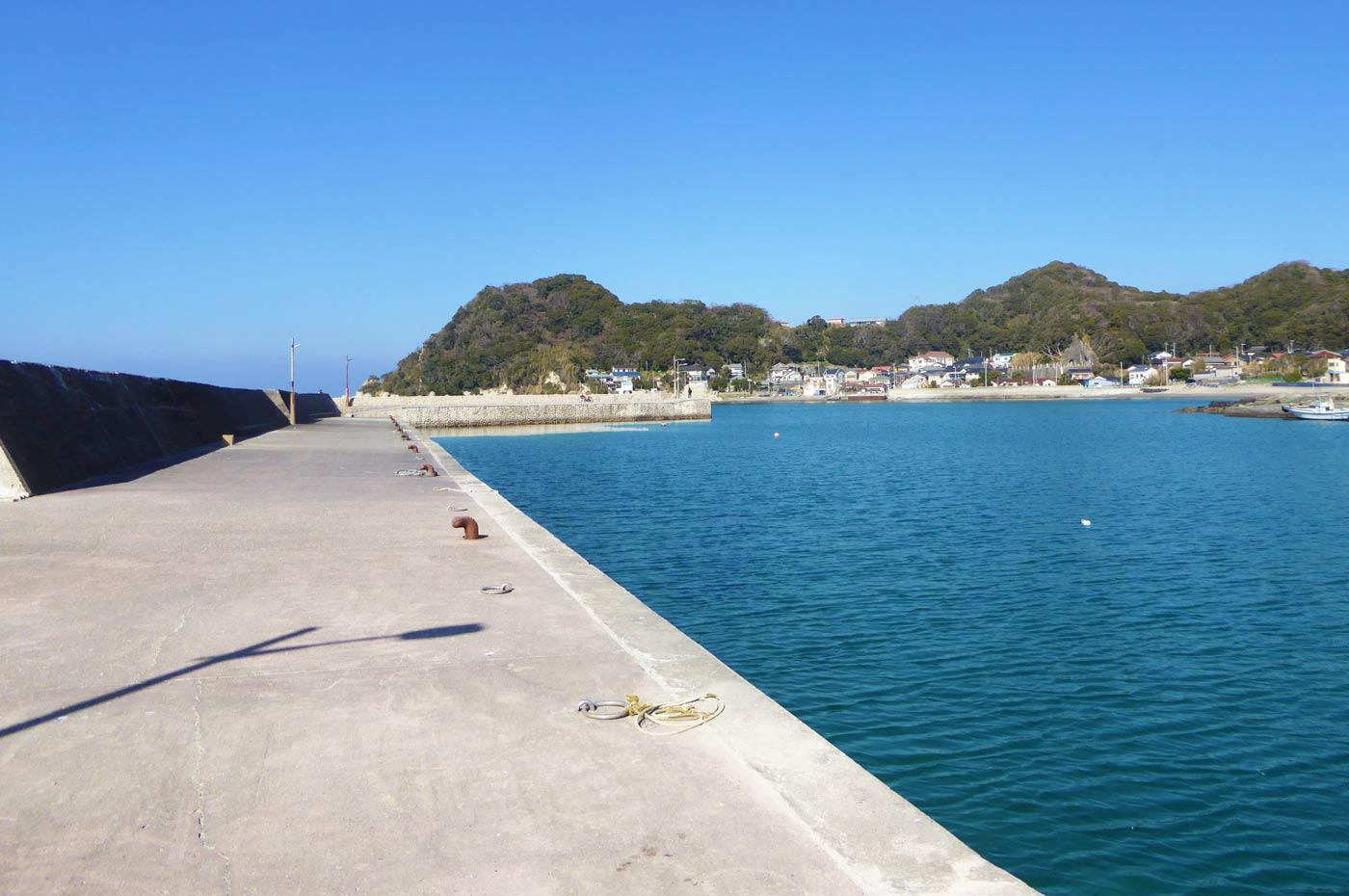 富浦旧港の防波堤