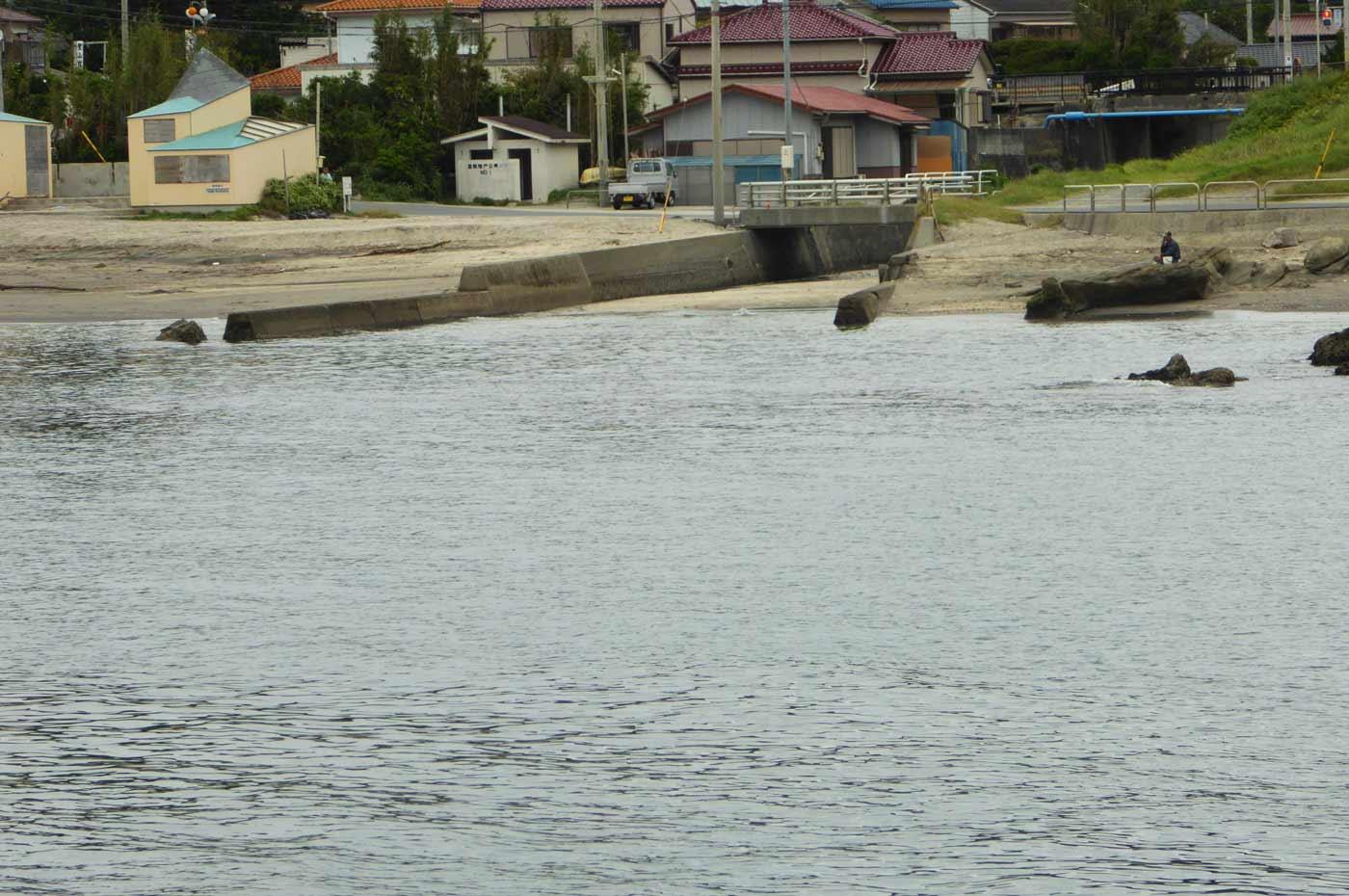 汐入川河口の釣り場
