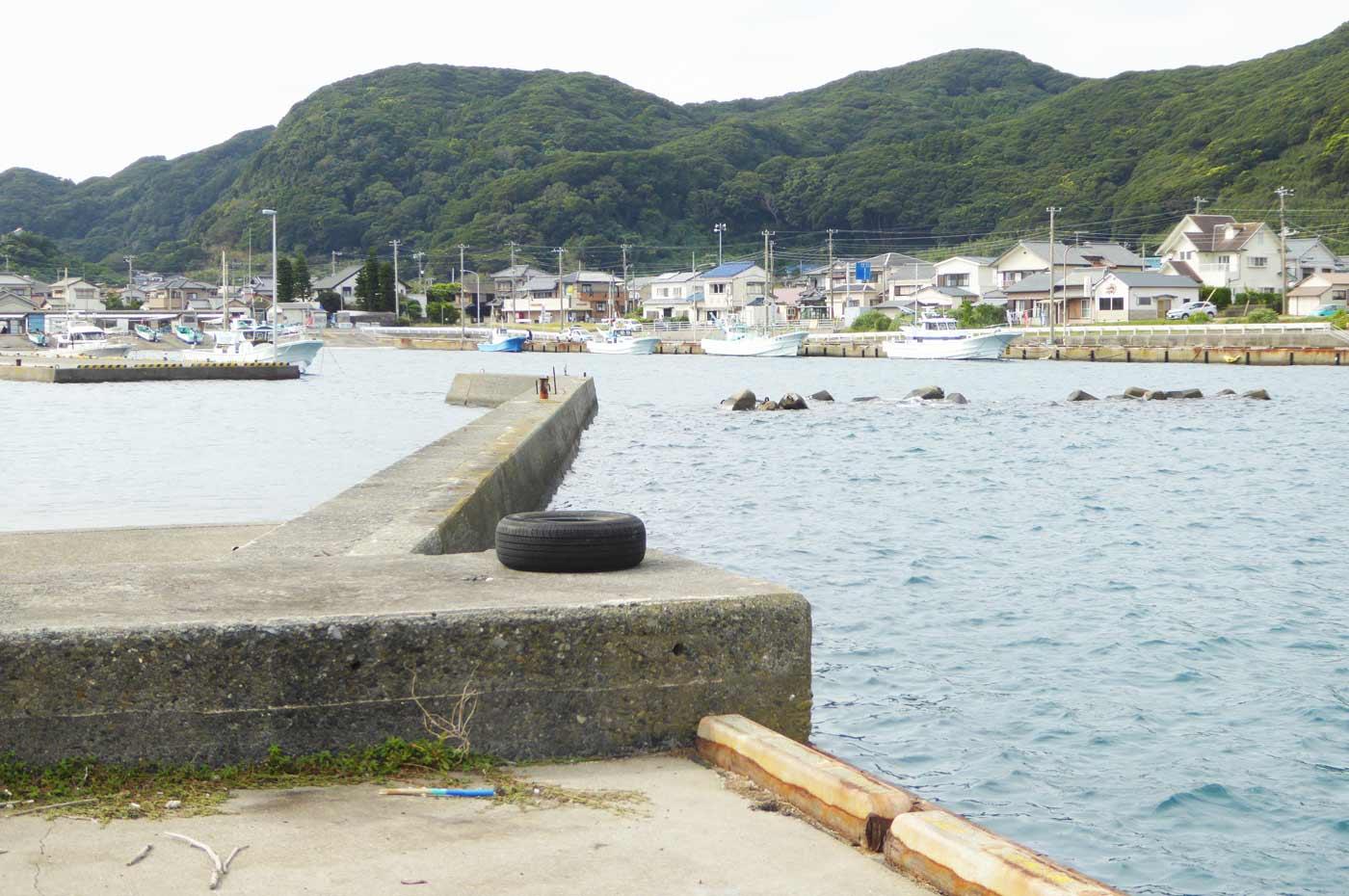 乙浜港内の小突堤