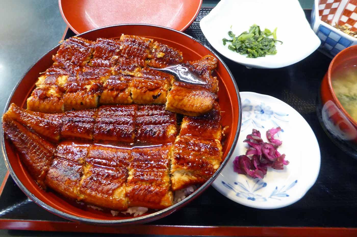 鰻定食の写真