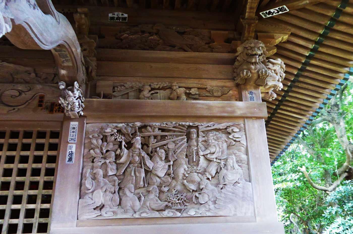 海南鉈切神社の天の岩戸伝説の彫刻