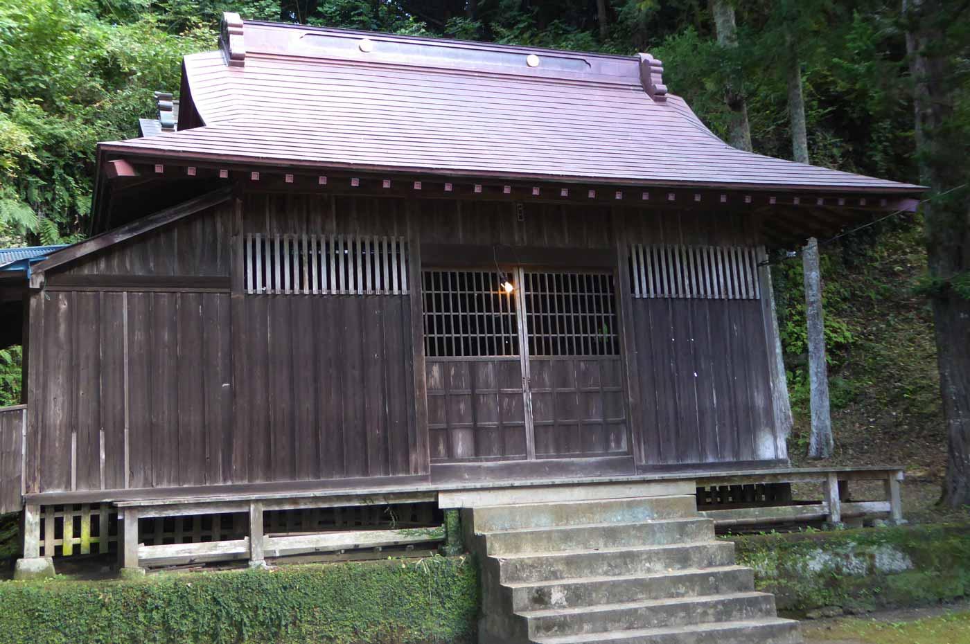 木幡神社の拝殿