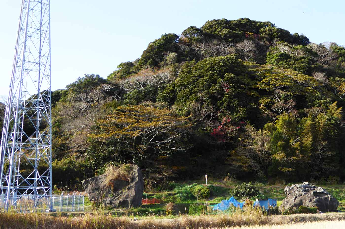 神楽石と礫石の写真