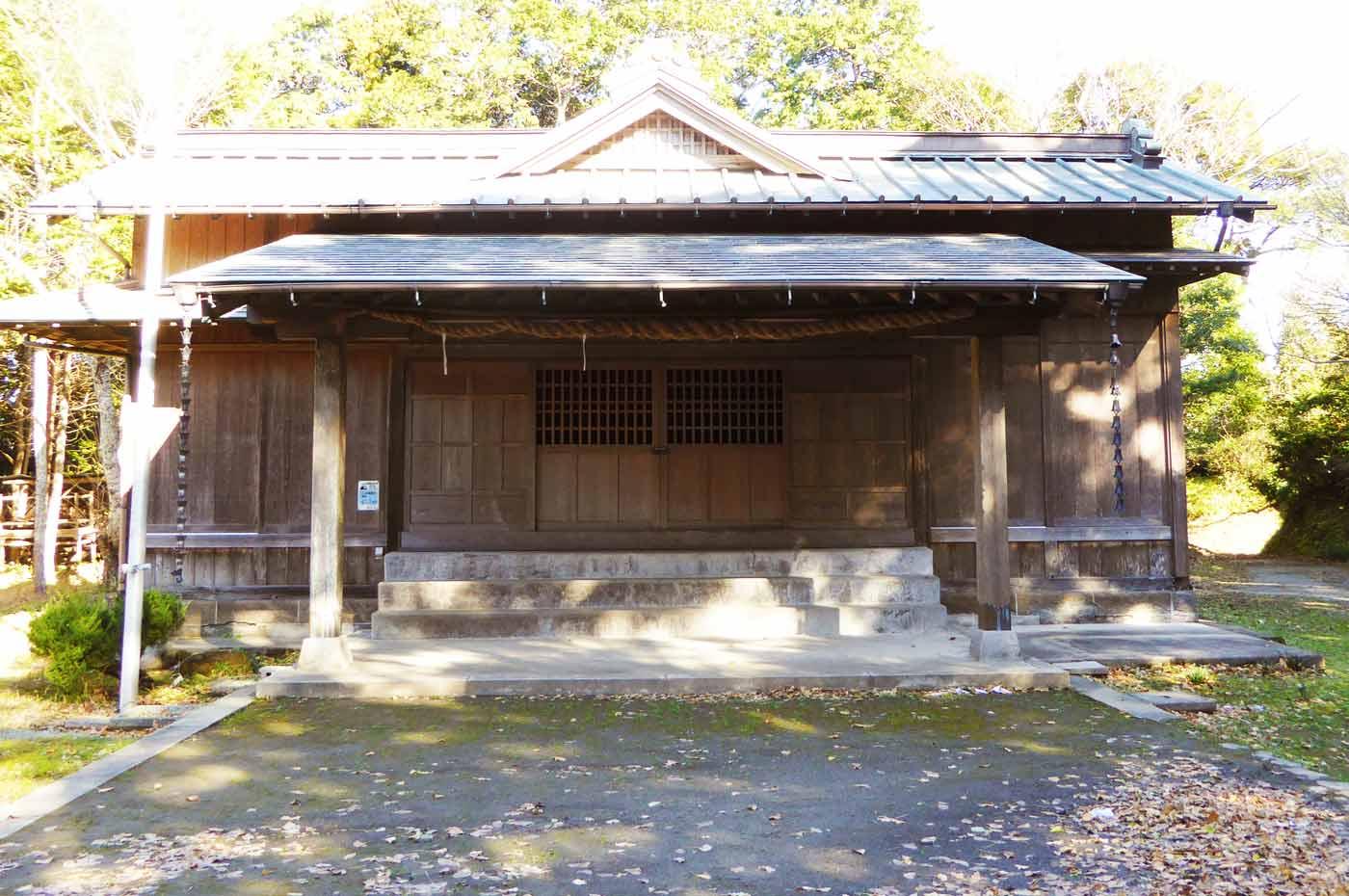 山荻神社の拝殿