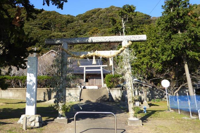青根原神社の全景