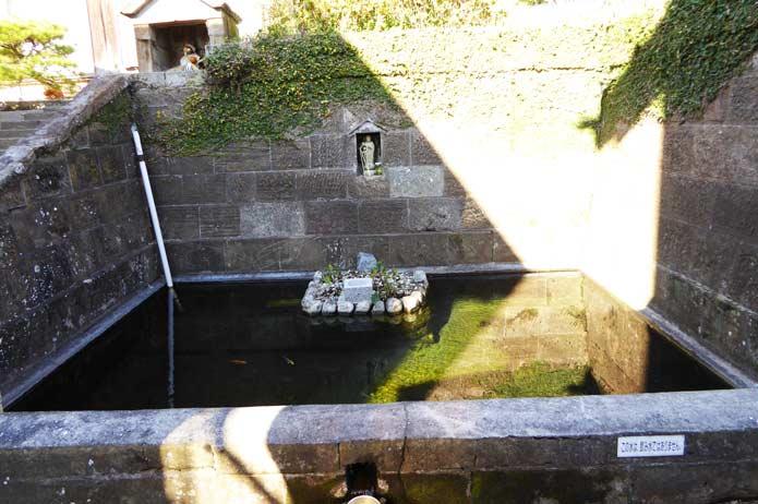 弘法大師の芋井戸の写真