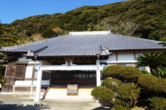 満願寺の本堂の写真