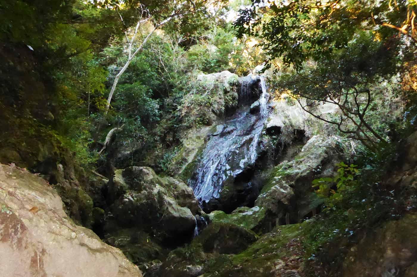岩屋山波切不動の不動滝