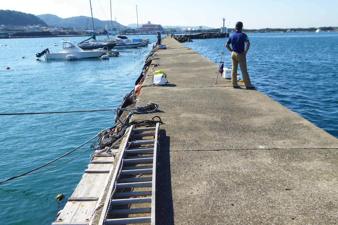 築港堤防最初の角より先のポイント