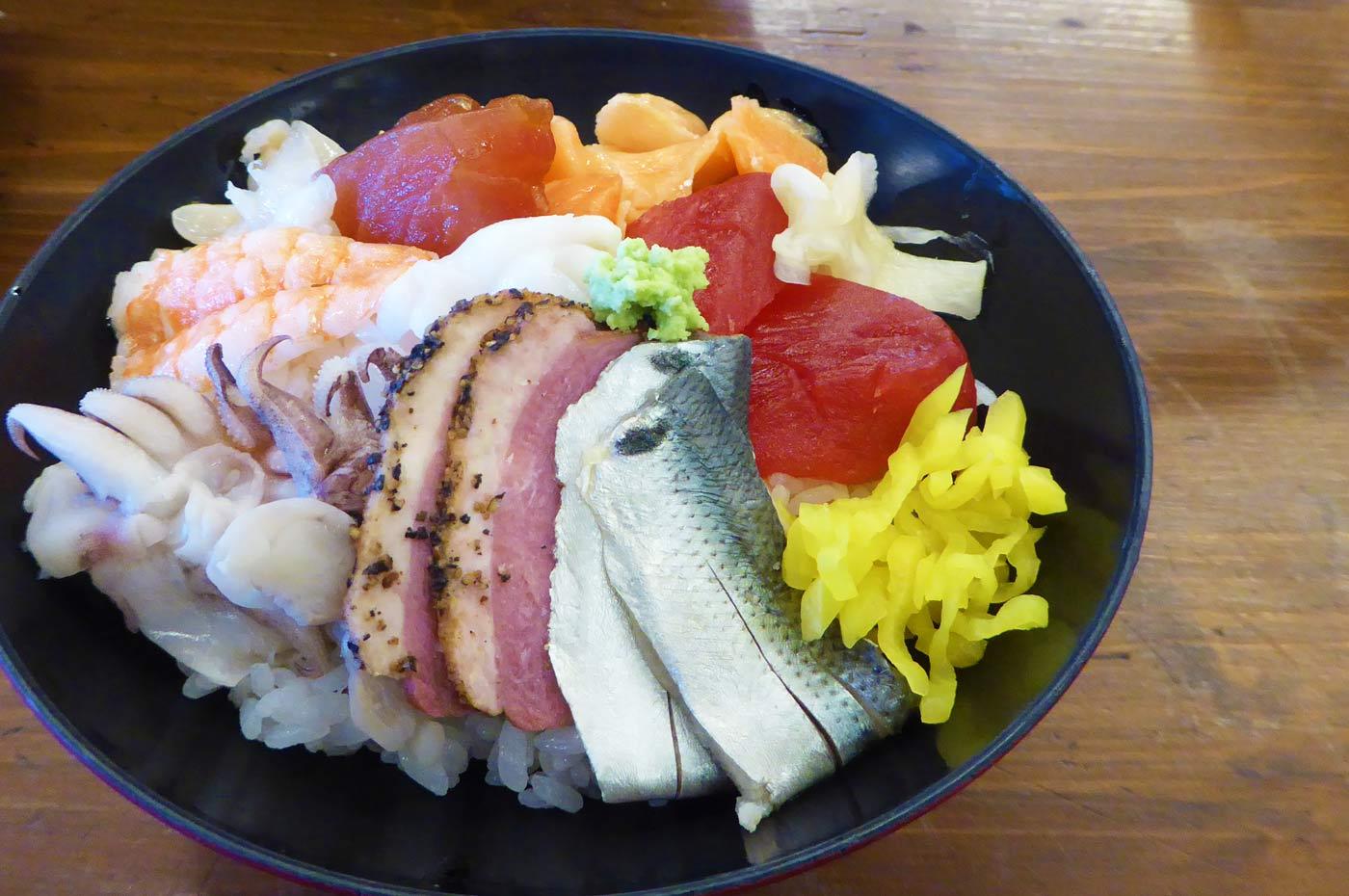 海鮮丼の画像