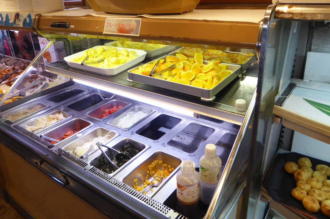 サラダ・デザートコーナーの画像