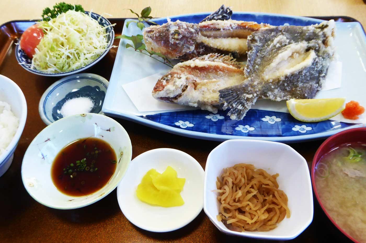 タイ、ホウボウ、マコガレイのからあげ定食