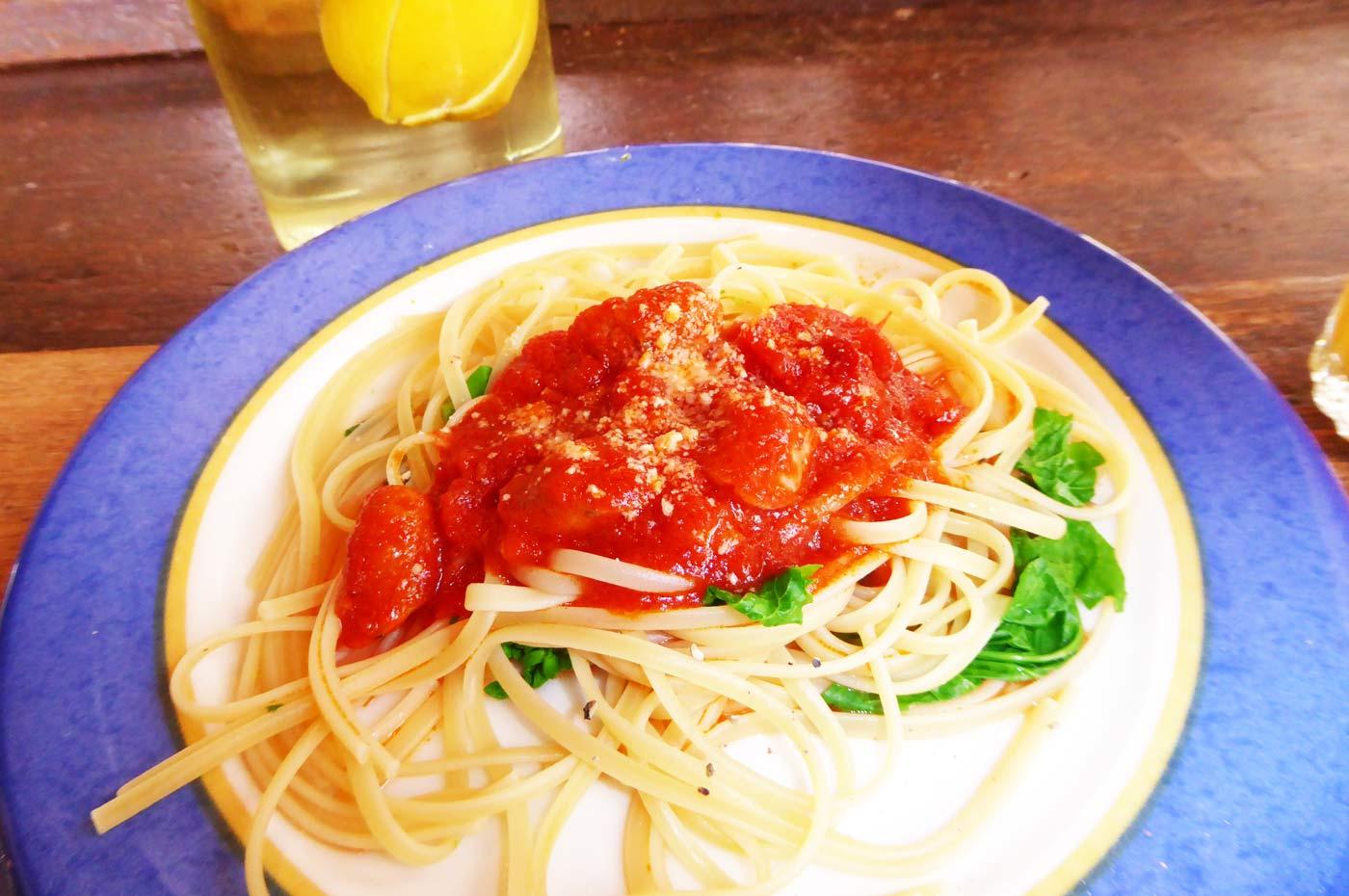 菜の花とトマトとベーコンのパスタ