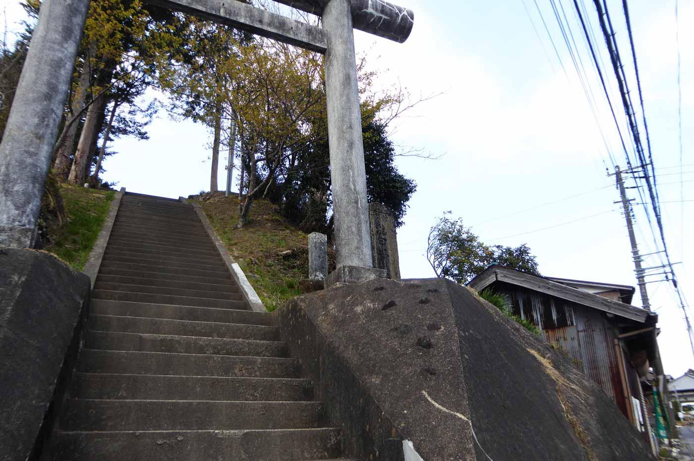 滝田神社の鳥居の画像