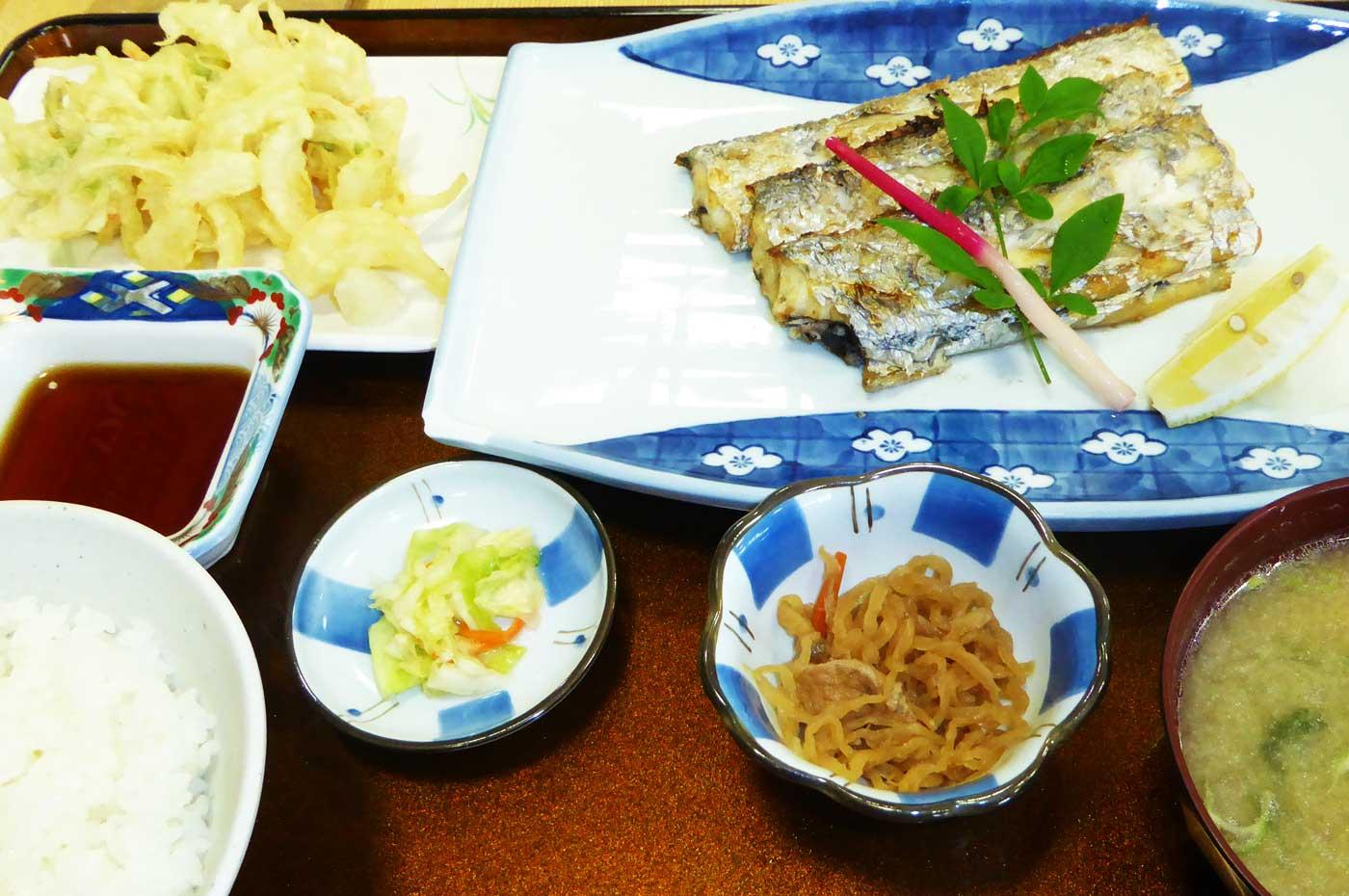 太刀魚の塩焼き定食