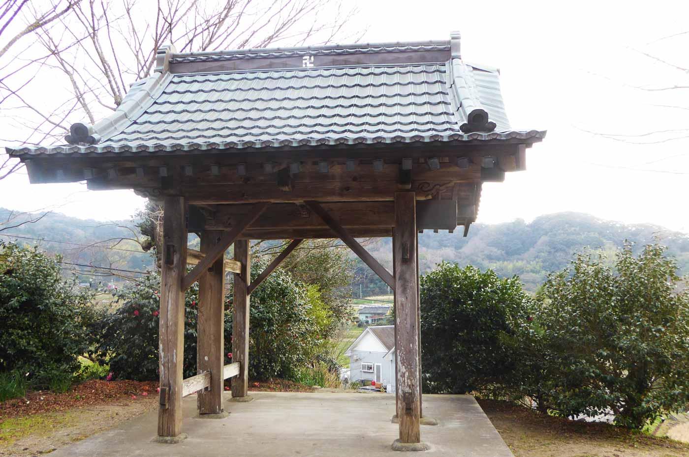 往生寺鐘楼の画像