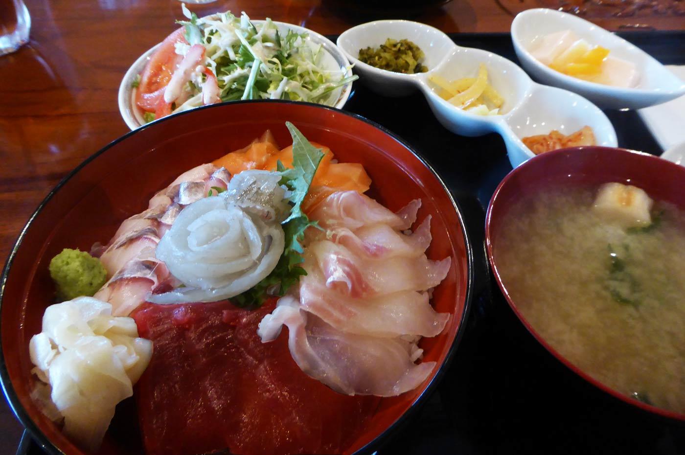 海鮮丼(地魚入り)