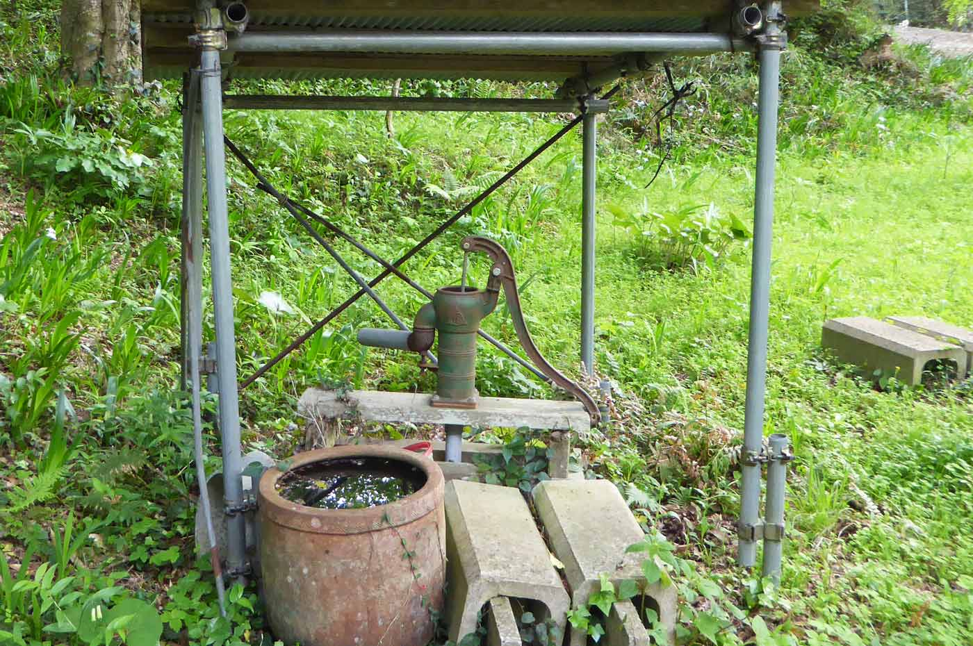 古い井戸の画像