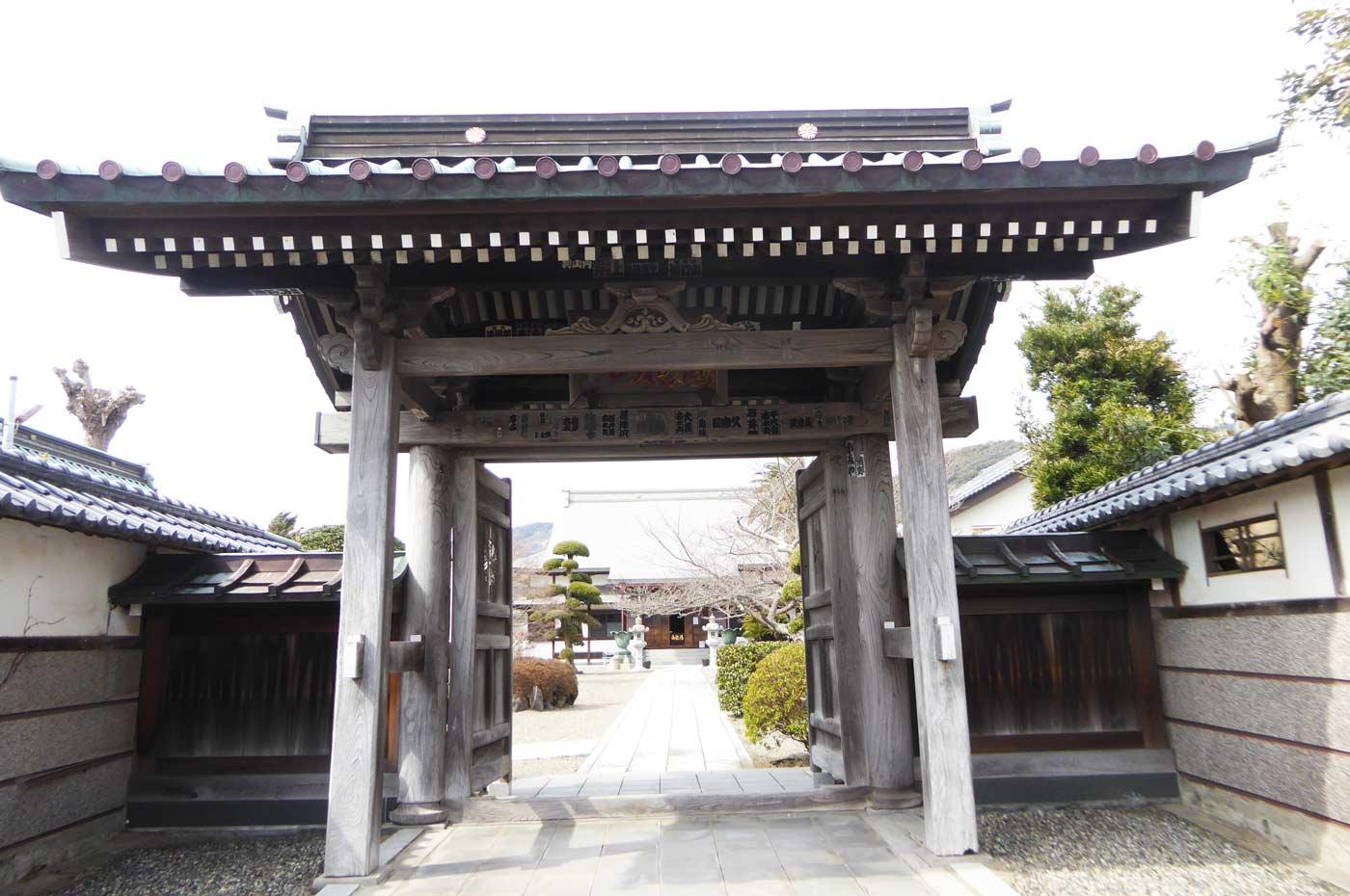 存林寺山門の画像