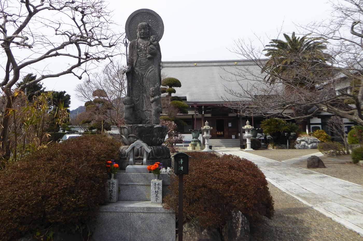 存林寺の水子地蔵