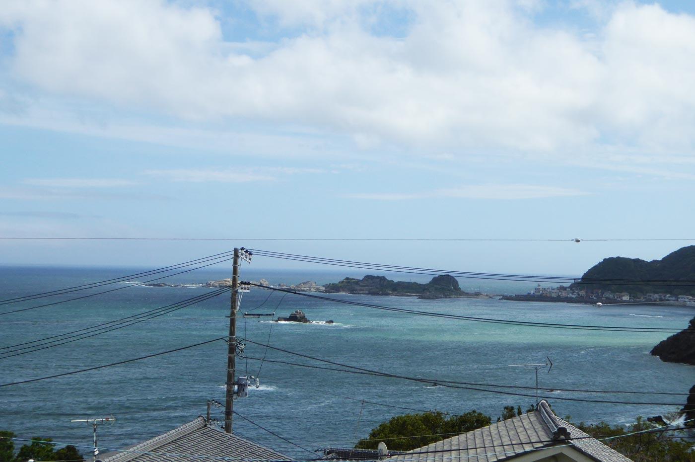 石見堂から鴨川松島を望む