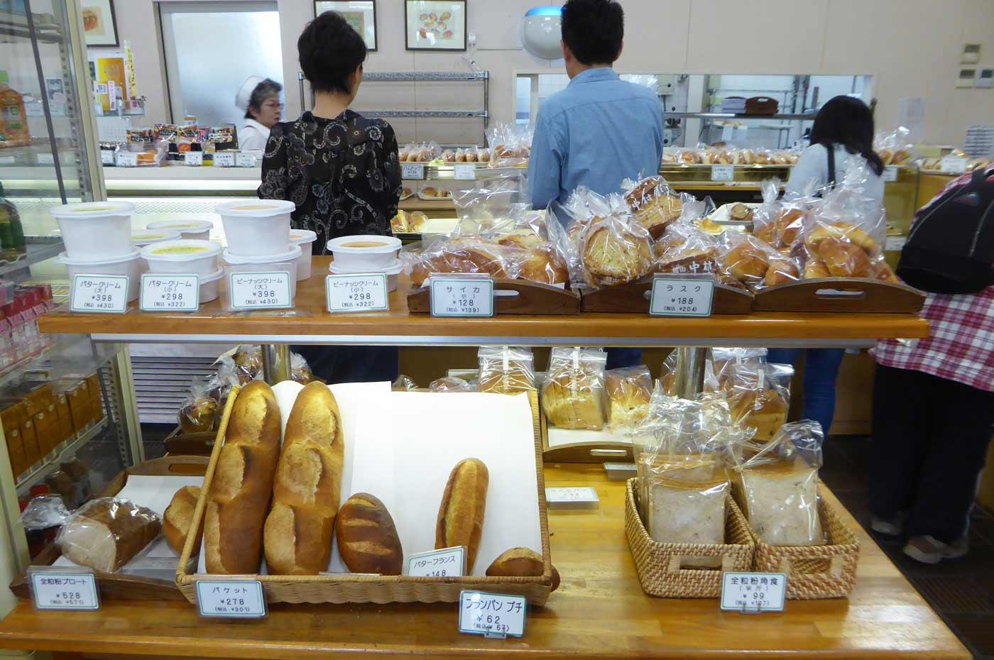 食パンなどのコーナー
