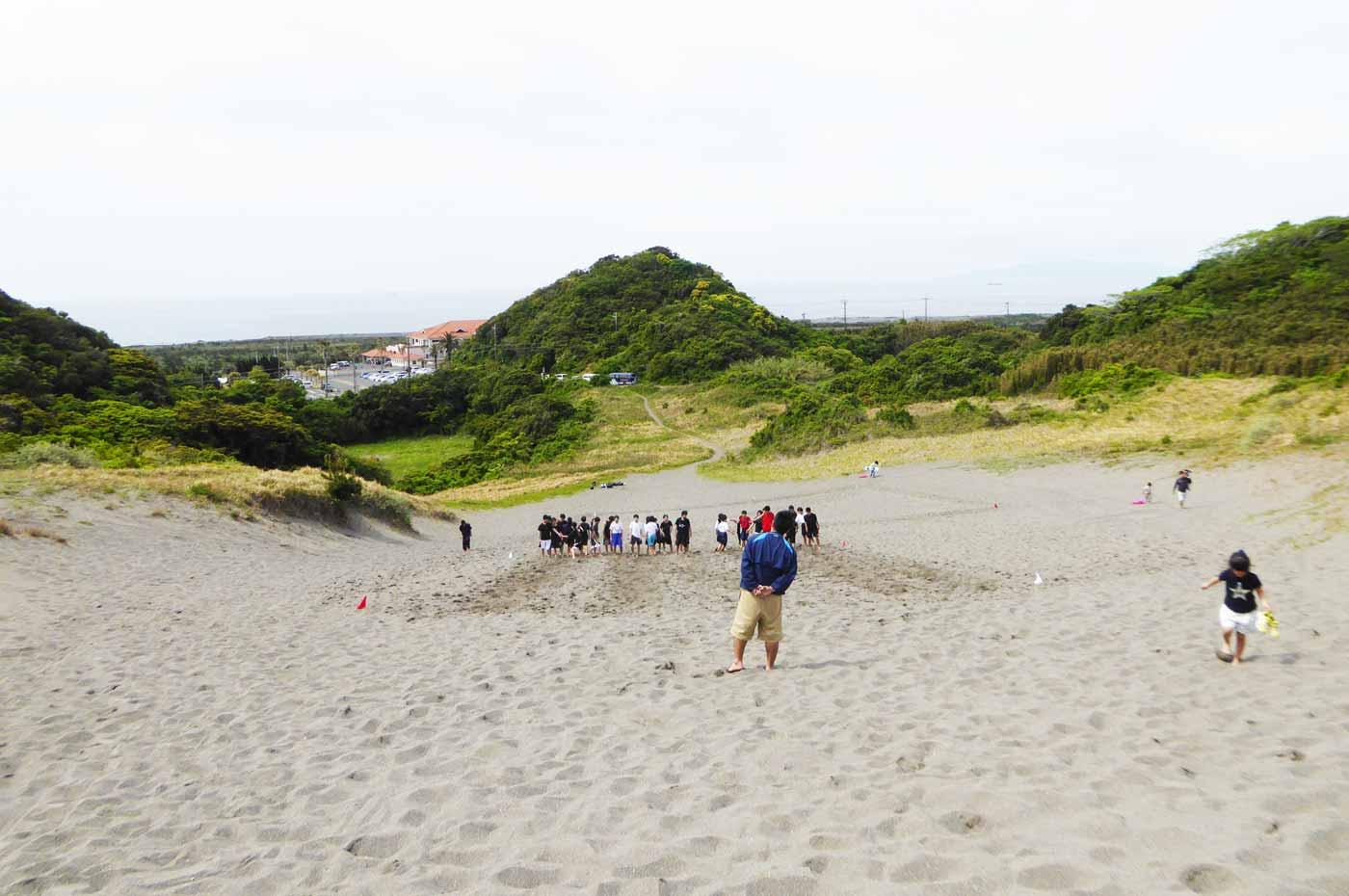 砂山から海を望む