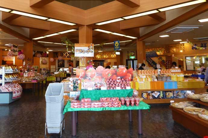お菓子売り場の画像