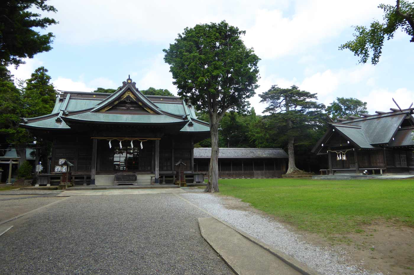 鶴谷八幡宮境内の画像