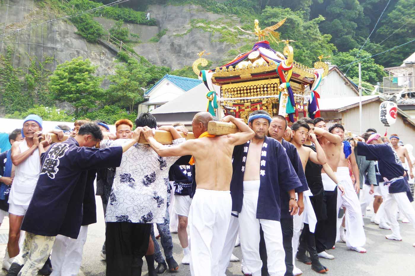 寄浦地区の神輿2
