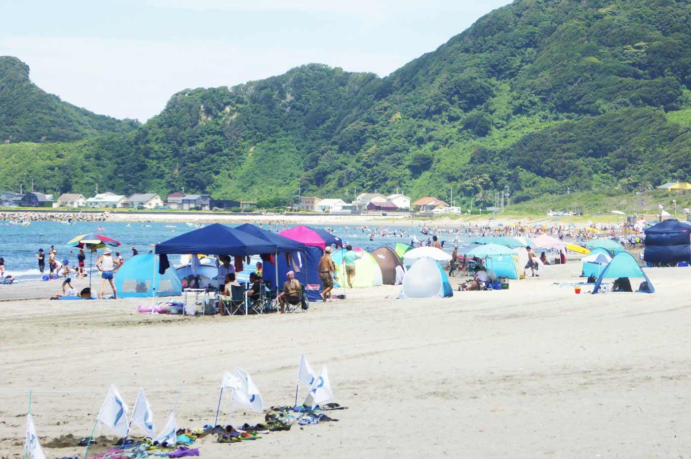 岩井海岸の海水浴風景