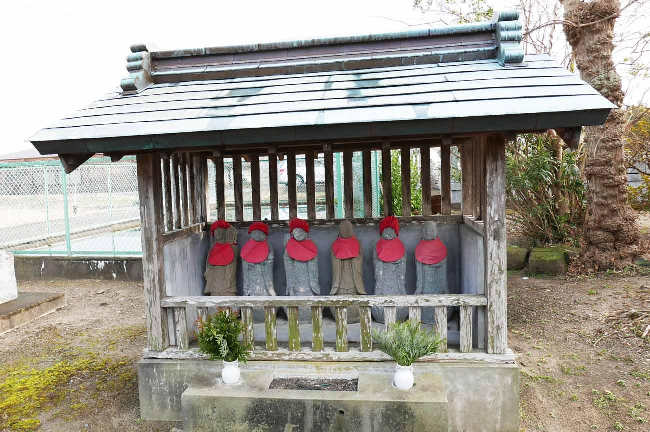 慈眼寺の六地蔵の画像