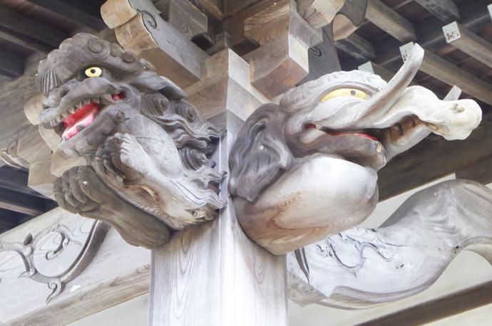 向拝の木鼻(右)の画像