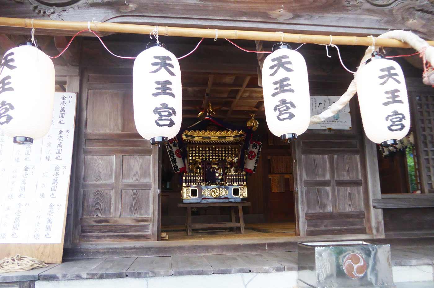 八雲神社の神輿