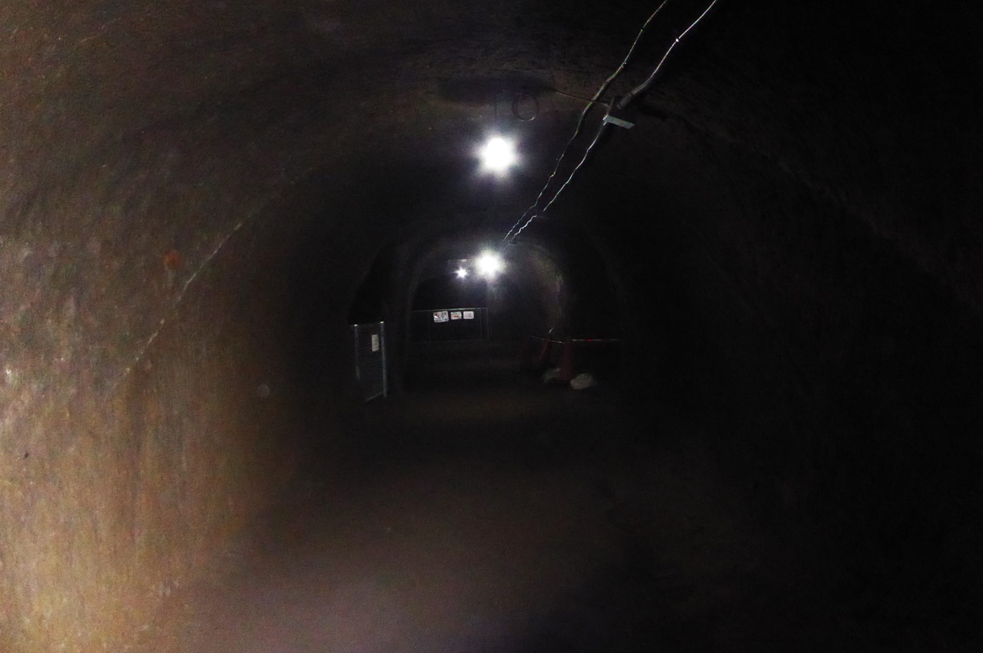 赤山地下壕の内部画像2