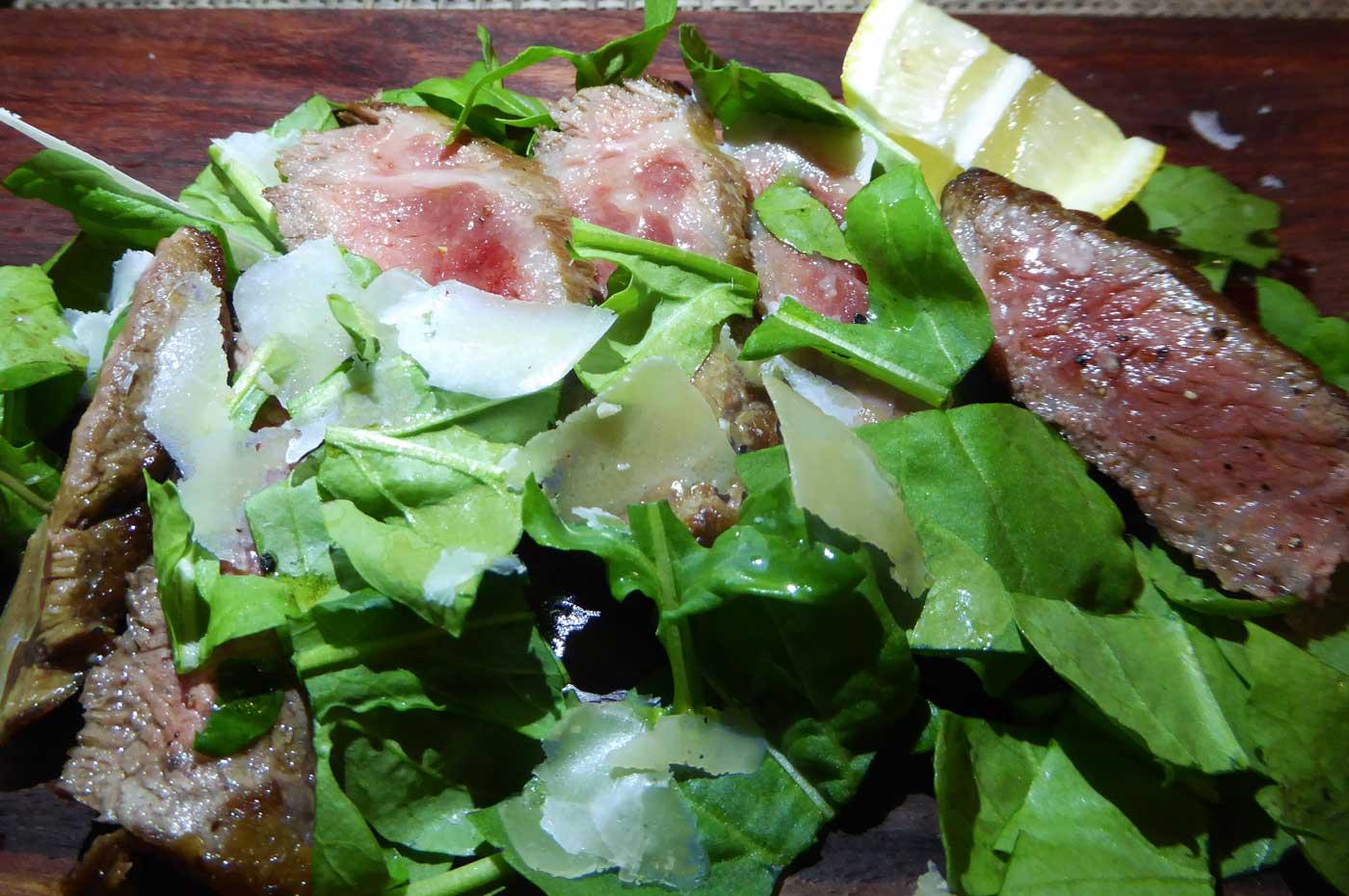 里見伏姫牛のステーキの画像
