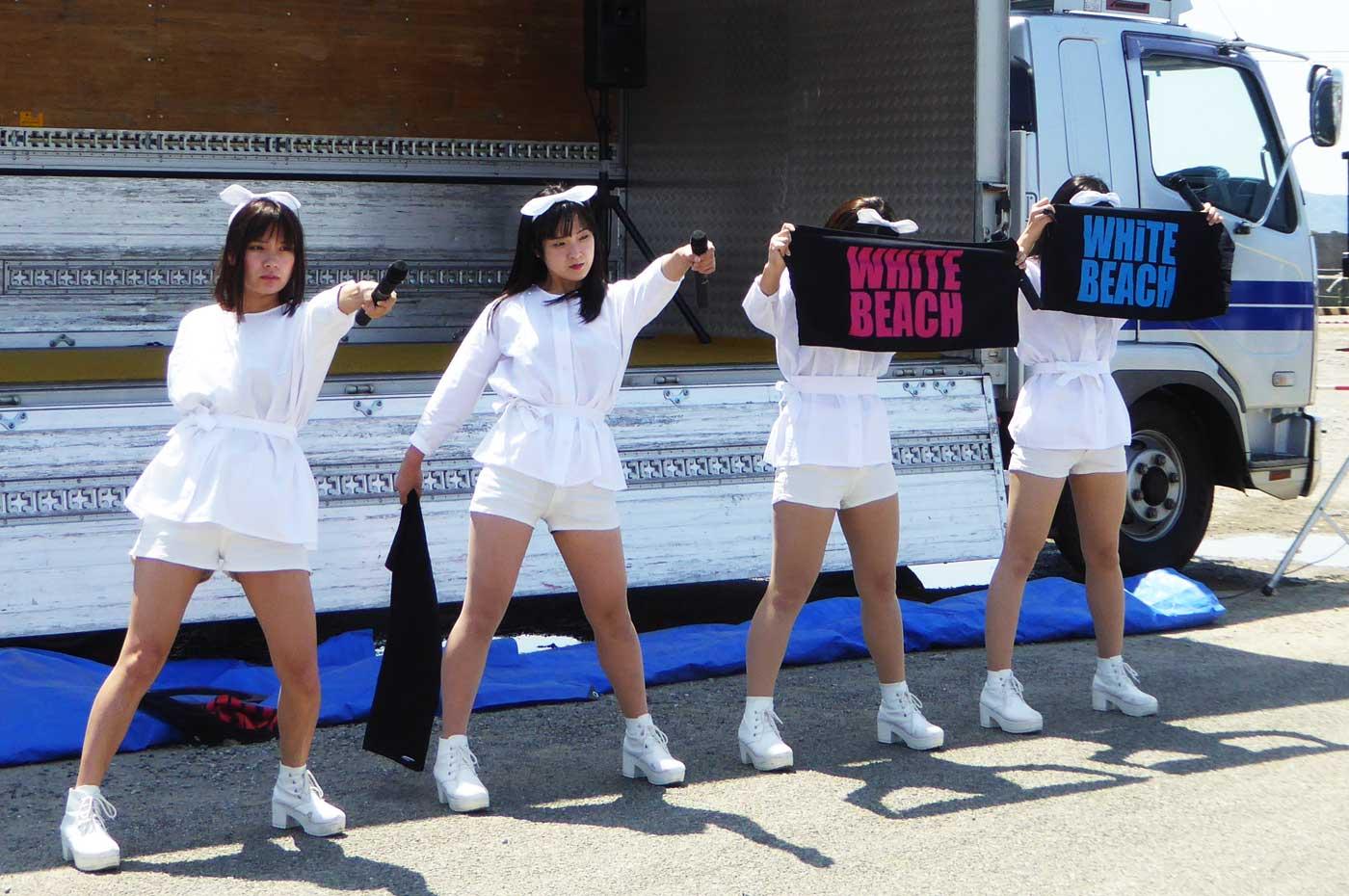 ホワイトビーチのコンサート