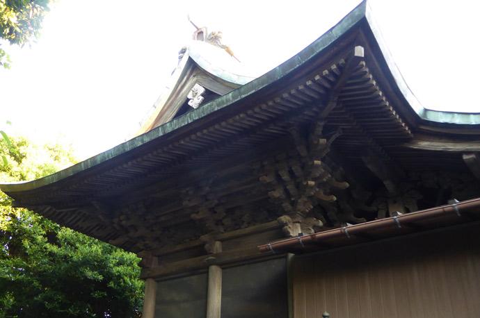 本殿を左から撮影