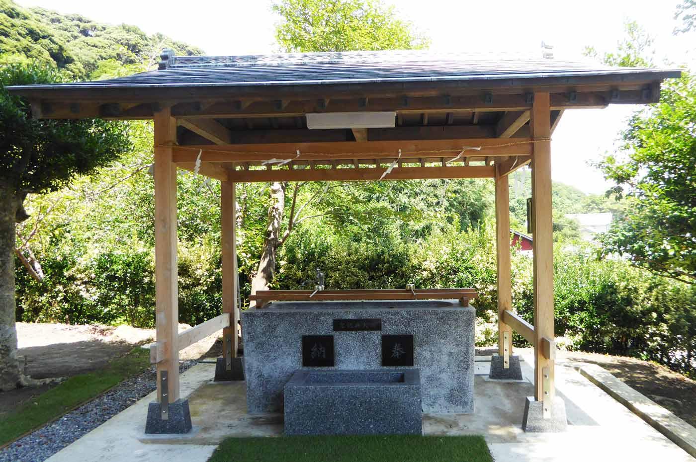 洲宮神社手水舎の画像