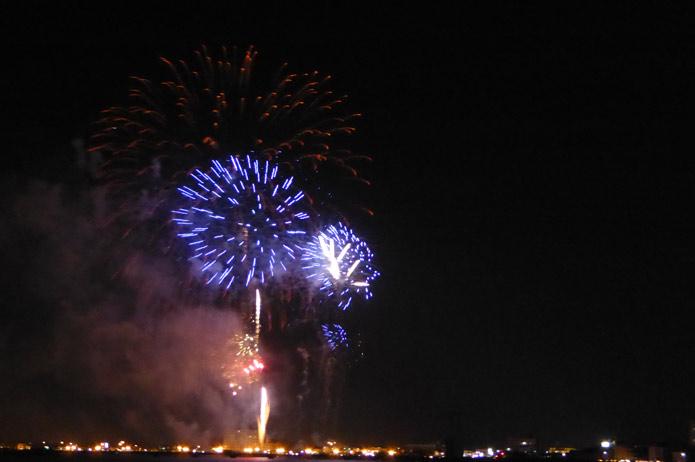 館山港岸壁から観た花火