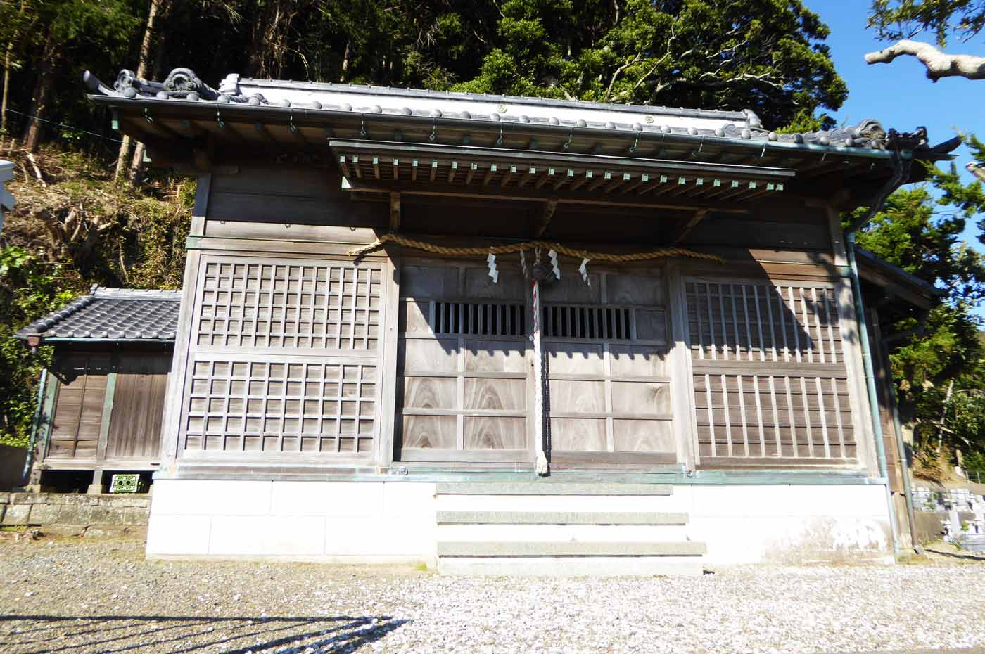 若宮八幡神社拝殿の画像